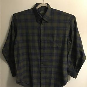 Orvis signature green plaid button down. XLarge